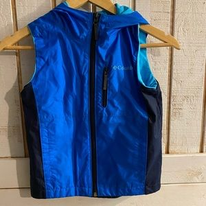 Boys Columbia zip up hooded vest size XXS 4-5
